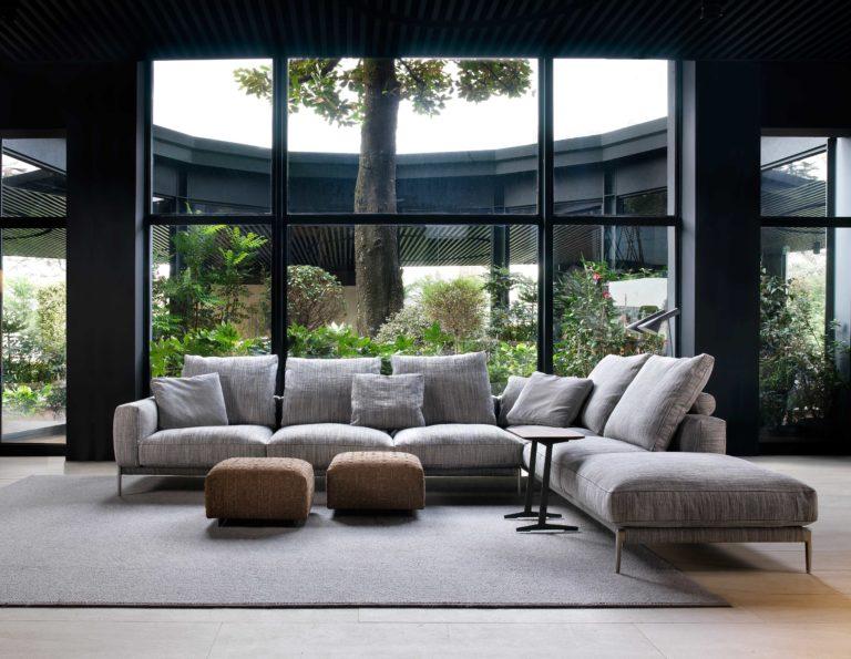 Flexform prezentuje sofę i fotel Romeo